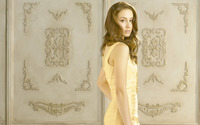 Troian Avery Bellisario [4] wallpaper 1920x1200 jpg