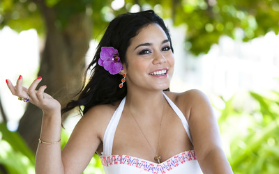 Vanessa Hudgens [18] wallpaper