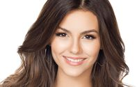 Victoria Justice with golden earrings close-up wallpaper 1920x1200 jpg