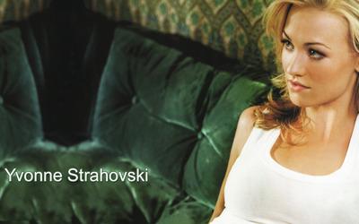 Yvonne Strahovski [9] wallpaper