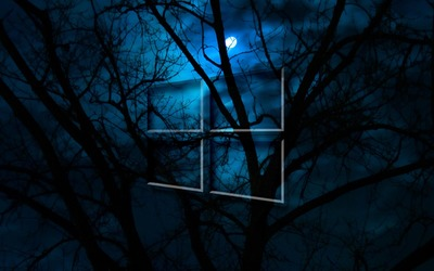 Windows 10 in the cloudy night wallpaper
