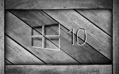 Windows 10 on a gray wooden crate [3] wallpaper