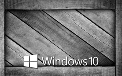 Windows 10 on a gray wooden crate [6] wallpaper