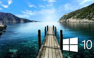 Windows 10 on the pier simple logo wallpaper