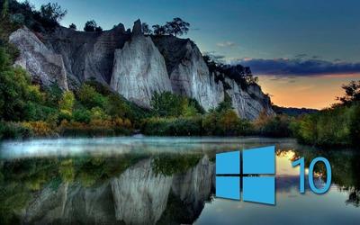 Windows 10 on the lake reflection wallpaper