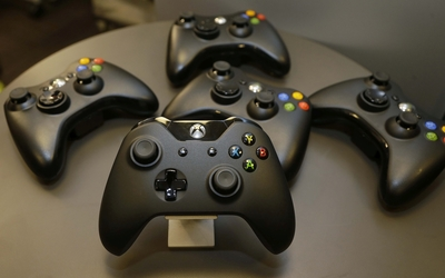 Xbox One game controllers wallpaper