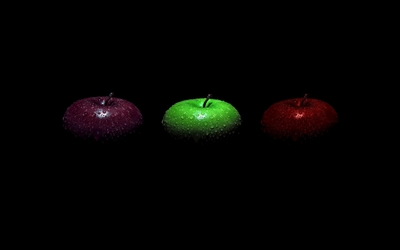 Apples with water drops wallpaper