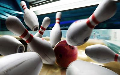 Bowling strike wallpaper