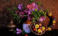 Beautiful floral arrangement wallpaper 2560x1600 jpg