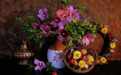 Beautiful floral arrangement wallpaper