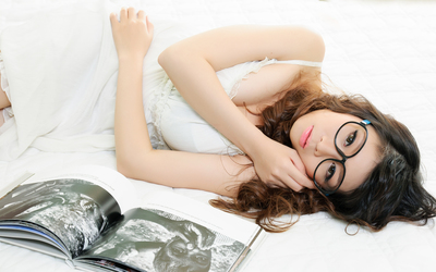 Beautiful asian girl in a white dress with dark glasses wallpaper