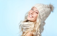 Blonde with beautiful smile wallpaper 2880x1800 jpg
