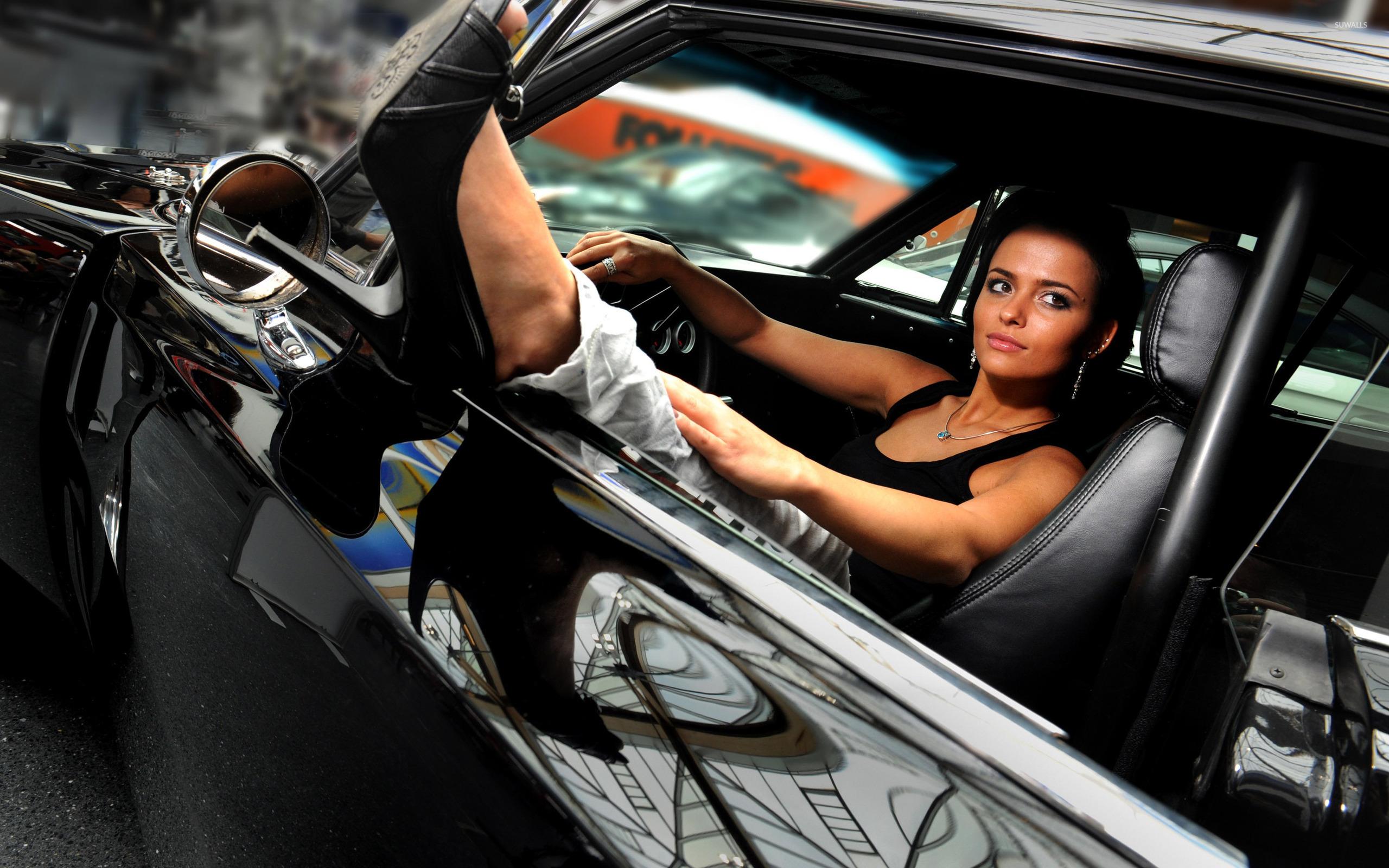beautiful girl in car - photo #12