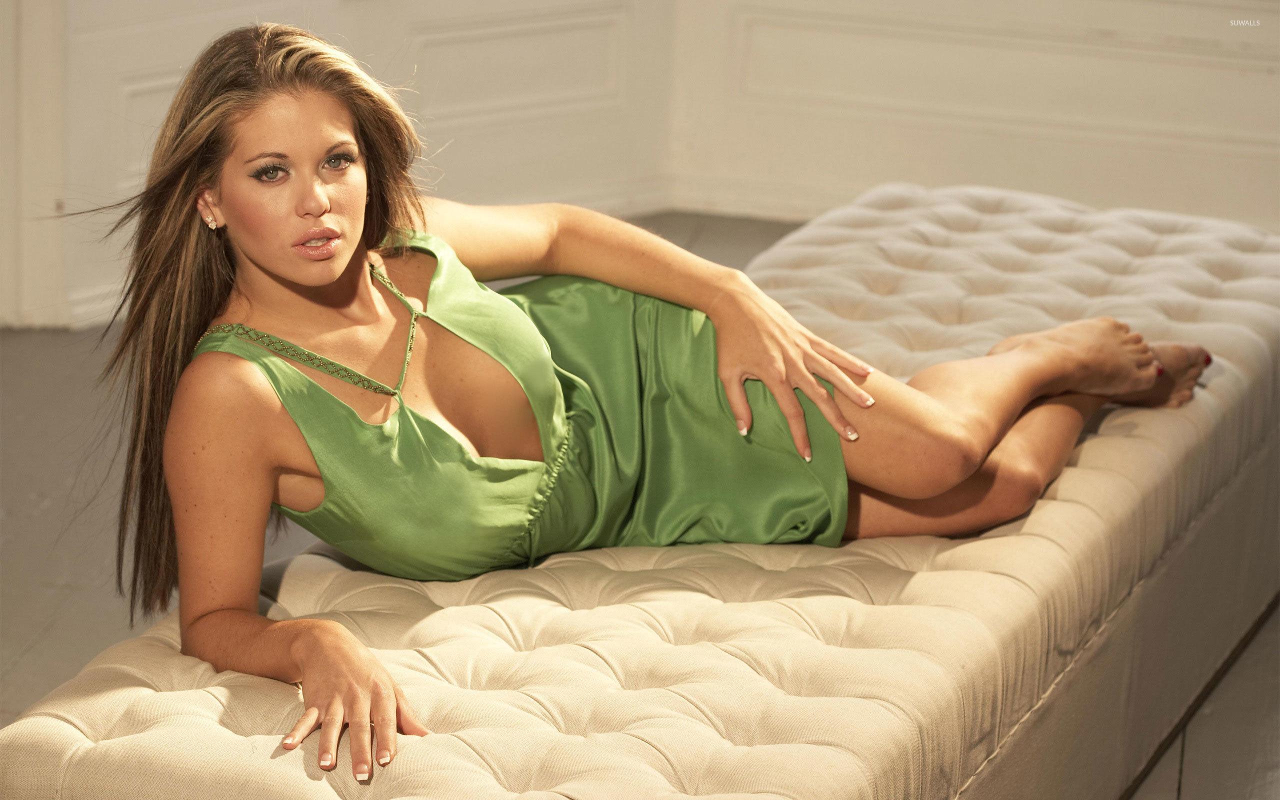Bianca Gascoigne Nude Photos 37