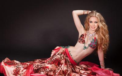 Blonde belly dancer wallpaper