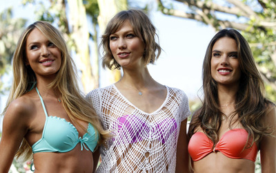 Candice Swanepoel, Karlie Kloss and Alessandra Ambrosio wallpaper