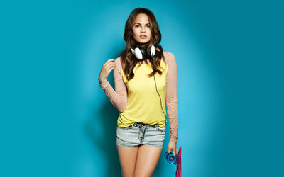 Christine Teigen wallpaper