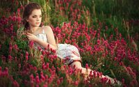 Cute model lying between the purple flowers wallpaper 1920x1200 jpg