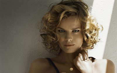 Eva Herzigova [2] wallpaper