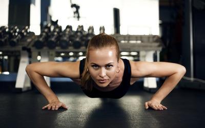 Fitness girl [5] wallpaper