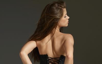Girl with long hair wallpaper