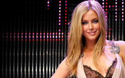 Jennifer Hawkins [18] wallpaper