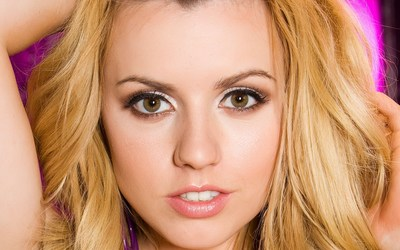 Lexi Belle wallpaper
