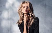 Magdalena Frackowiak wallpaper 2560x1440 jpg