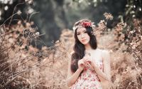 Model with a floral crown wallpaper 1920x1200 jpg