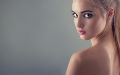 Natural blonde beauty wallpaper