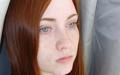 Redhead with freckles [3] wallpaper