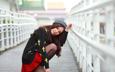 Romantic asian girl wallpaper