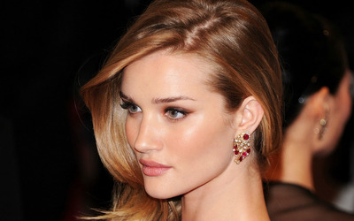 Rosie Huntington-Whiteley [20] wallpaper