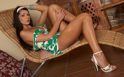 Sensual Evelyn Lory relaxing wallpaper