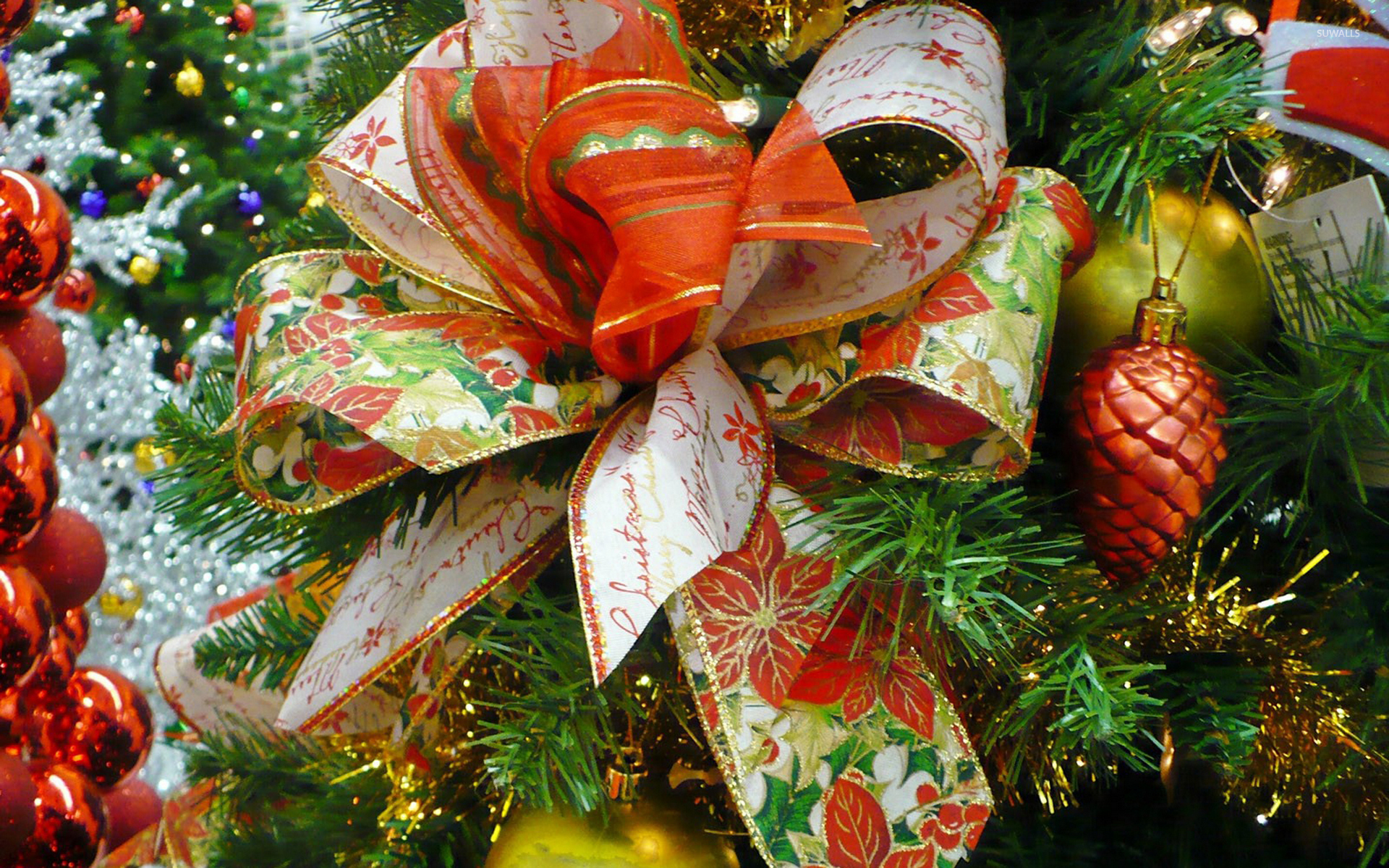 Beautiful christmas tree wallpaper - Beautiful Bow In The Christmas Tree Wallpaper 1920x1200 Jpg