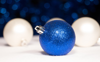 Blue Christmas bauble wallpaper 3840x2160 jpg
