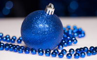 Blue Christmas ornaments wallpaper 3840x2160 jpg