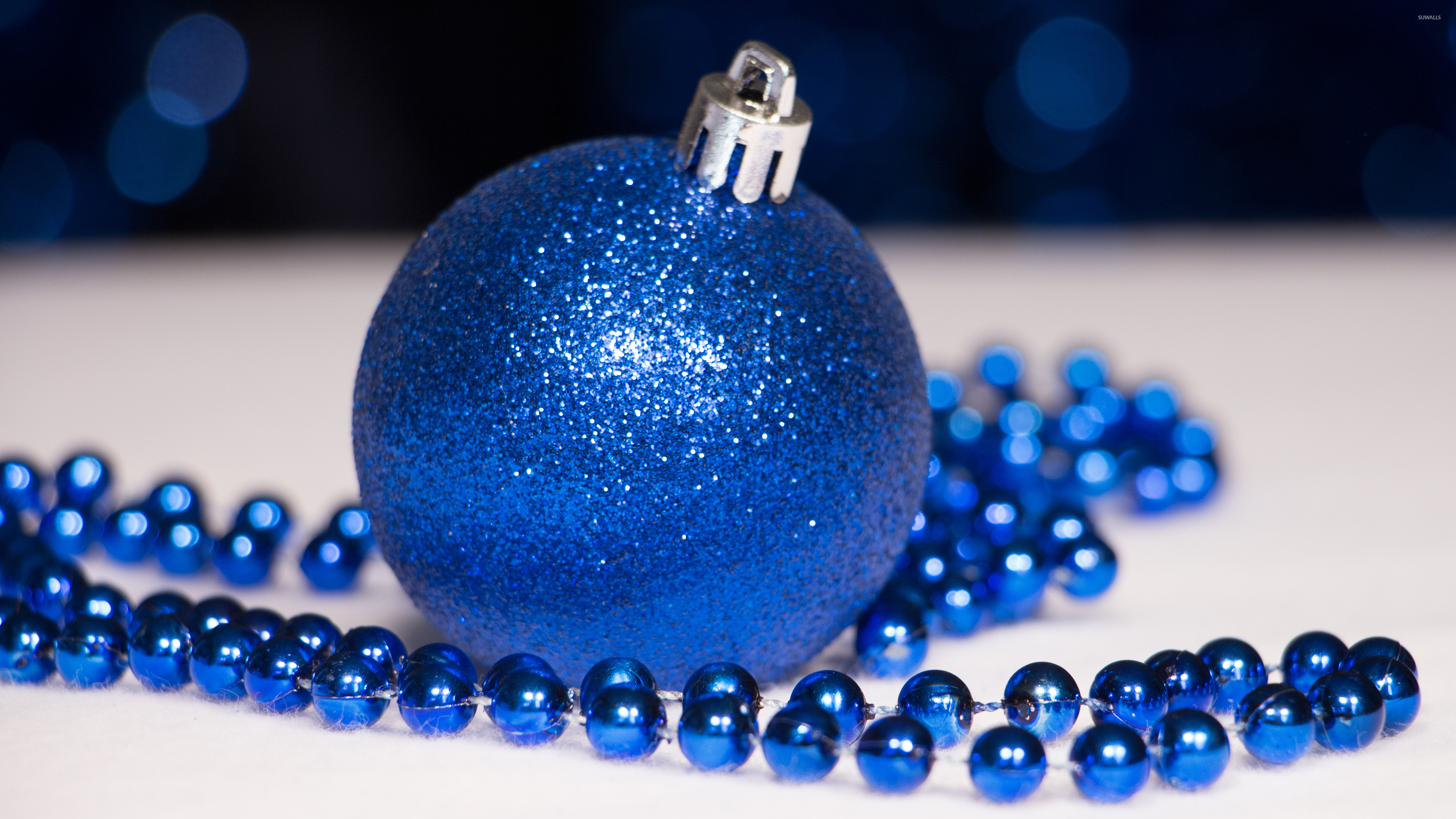 Blue Christmas ornaments wallpaper - Holiday wallpapers ...