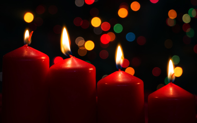 Burning Advent candles wallpaper