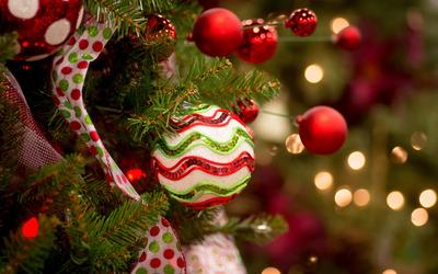 Christmas tree bauble wallpaper