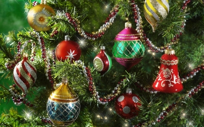 Colorful baubles in the sparkly Christmas tree wallpaper
