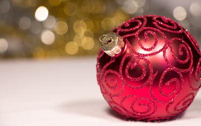 Elegant Christmas ornament wallpaper