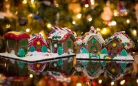 Gingerbread houses in front of the Christmas tree wallpaper 1920x1080 jpg
