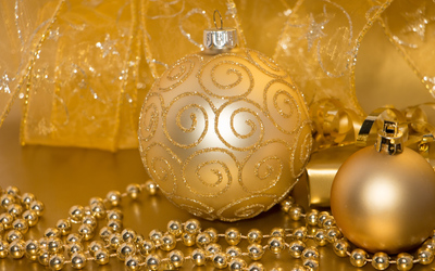 Golden baubles and ribbons wallpaper