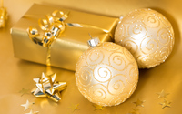 Golden ornaments and present wallpaper 3840x2160 jpg