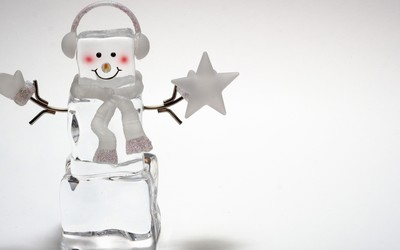 Ice cube snowman wallpaper