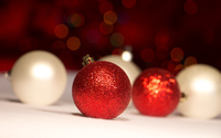 Red and white baubles wallpaper 3840x2160 jpg