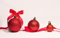 Red baubles and ribbon wallpaper 3840x2160 jpg