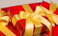 Red presents with golden ribbons wallpaper 3840x2160 jpg