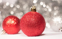 Red sparkly Christmas ornaments wallpaper 3840x2160 jpg